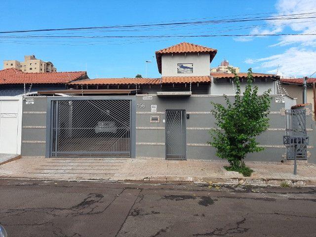 Casa ideal para Consultório ou Residencia Prox Amazonas