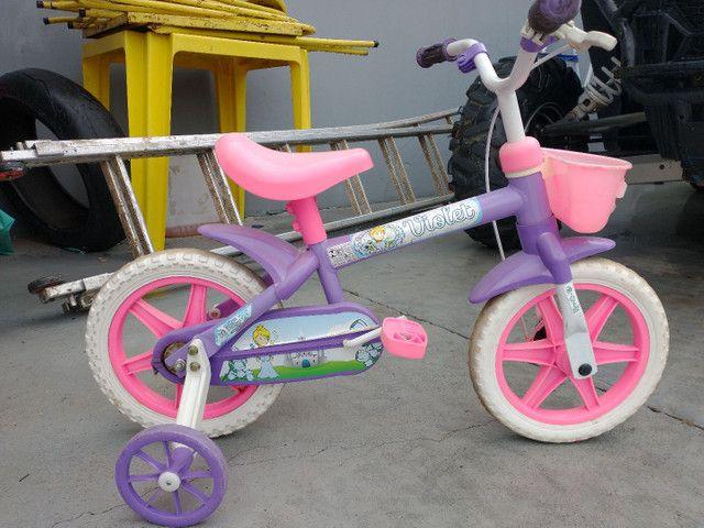Vende-se bicicleta infantil - Foto 2