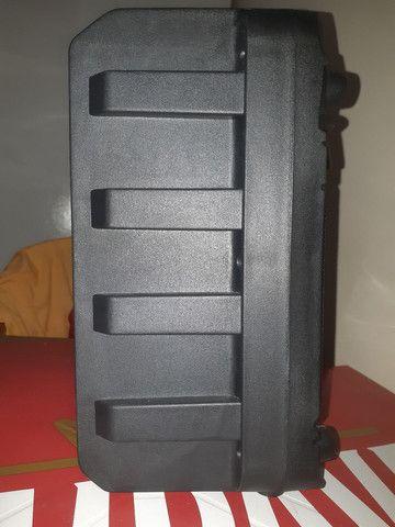 Caixa de som bluetooth com entrada para microfones  - Foto 3
