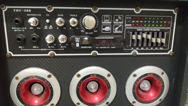 Caixa Amplificada TRC 388 com 500W - Em perfeito estado - Foto 6