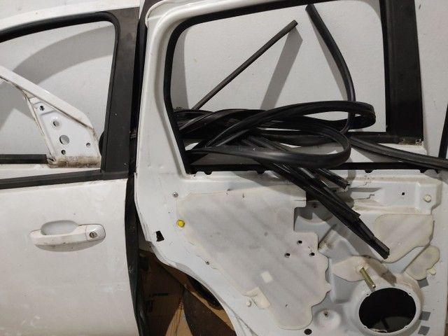 Porta Dianteira Traseira e Mala Fiesta Sedan 04/14 Branco - Foto 2