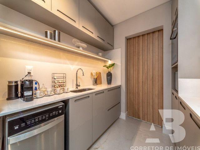 Apartamento mobiliado, equipado e decorado, 03 suítes, sacada com espaço gourmet, 02 vagas - Foto 18