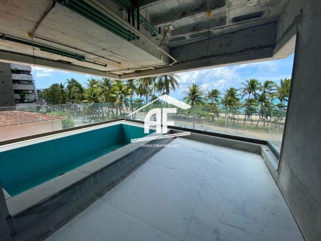 Apartamento beira mar com piscina na varanda - Ponta Verde - Foto 2