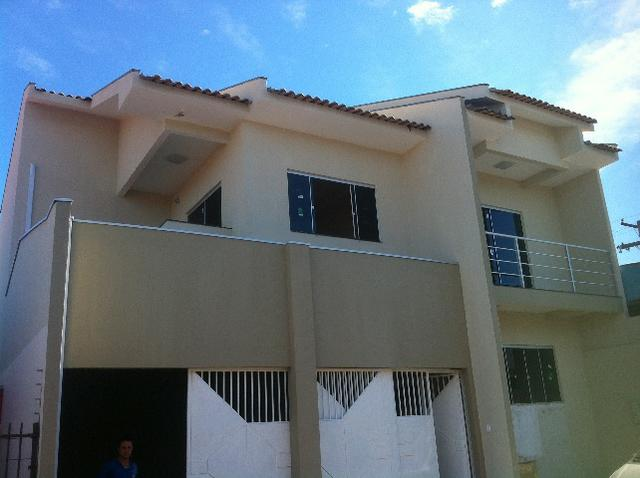 Casa sobrado semi novo