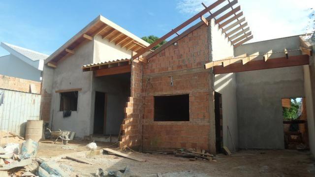 Ótima casa em construção 3 quartos com suíte - Oliveira II