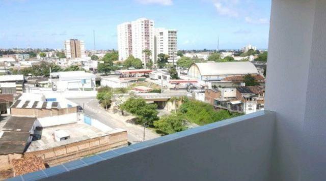 Edifício Plaza Mayo 2/4 suíte e varanda - Farol