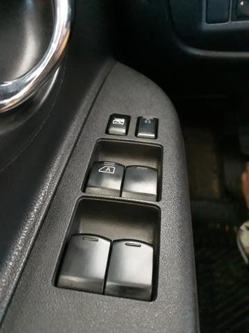 Nissan March SV 1.6 2012/2013 - Foto 4