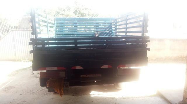 Chevrolet D-20 Custom com carroceria de madeira - Foto 5