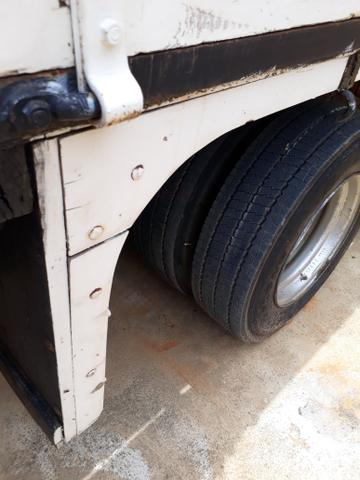 Caminhão com cabine suplementar - Foto 14