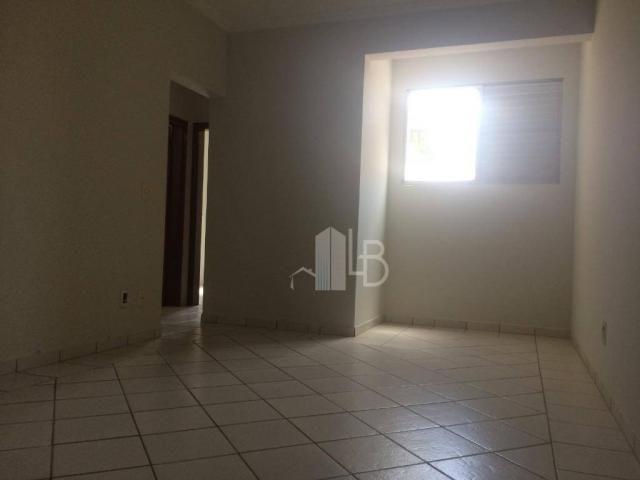 Apartamento para alugar, 50 m² por R$ 800,00/mês - Umuarama - Uberlândia/MG - Foto 3