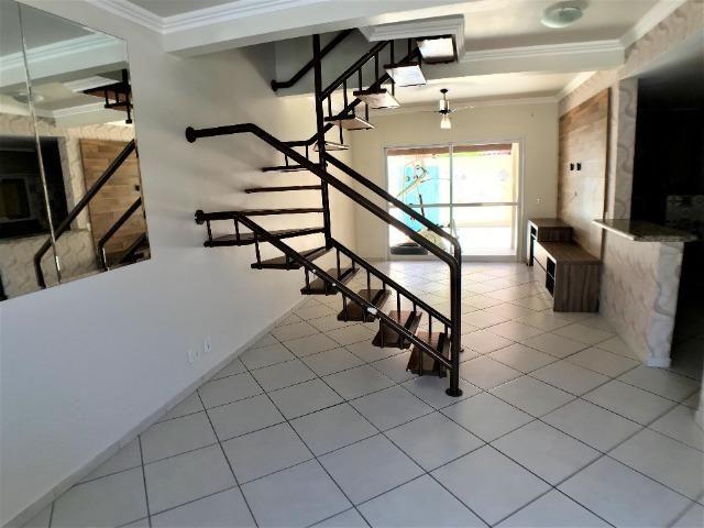 Excelente Casa Duplex no Condomínio Vila Dos Pássaros em Morada de Laranjeiras