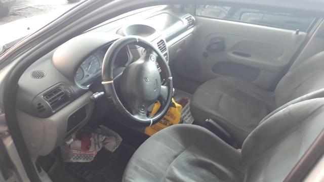 Renault Clio 1.0 16v - Foto 4
