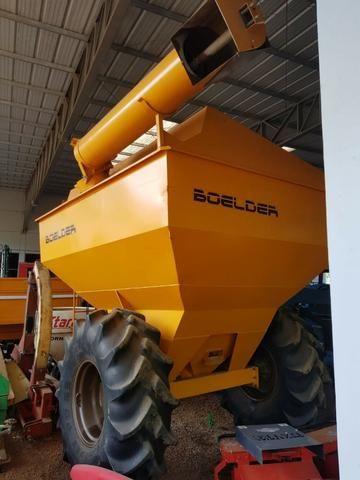 Graneleiro Boelter - 120 sacos - com pneus