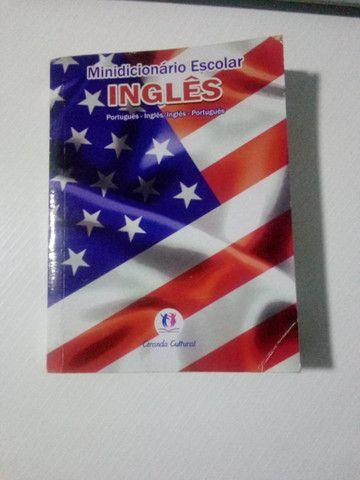 Minidicionários inglês, espanhol e português