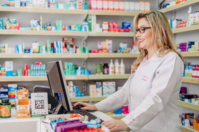 Vendo farmácia em florianópolis com carteira de clientes