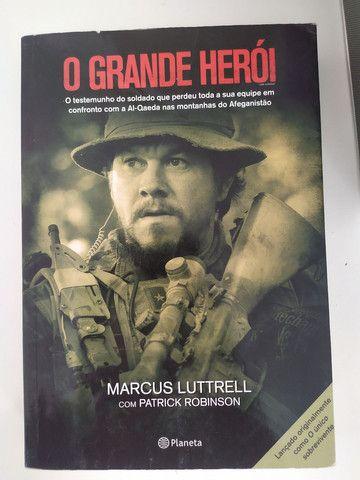 Livro O GRANDE HERÓI - Marcus Luttrell com Patrick Robinson