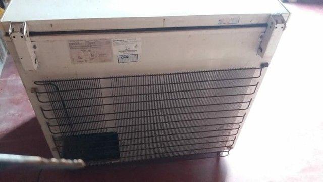Vende se esse freezer em perfeito estado de conservação  - Foto 2
