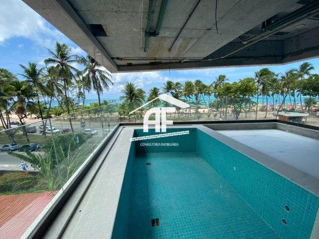 Apartamento beira mar com piscina na varanda - Ponta Verde