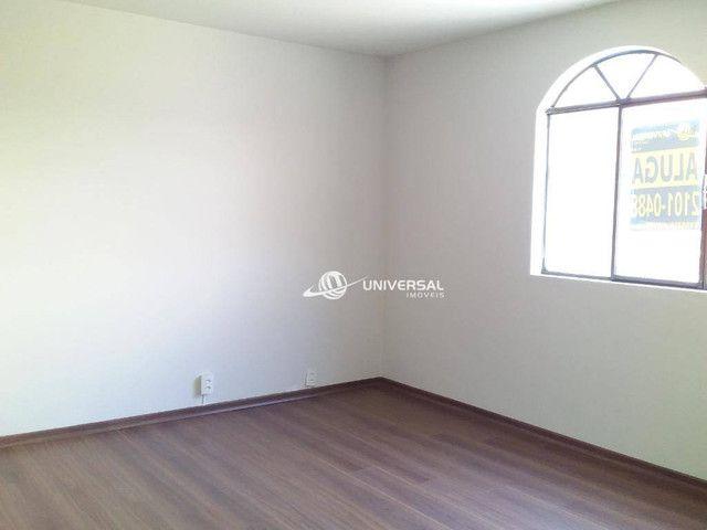 Apartamento com 3 quartos para alugar, 119 m² por R$ 1.000/mês - Jardim Glória - Juiz de F - Foto 2