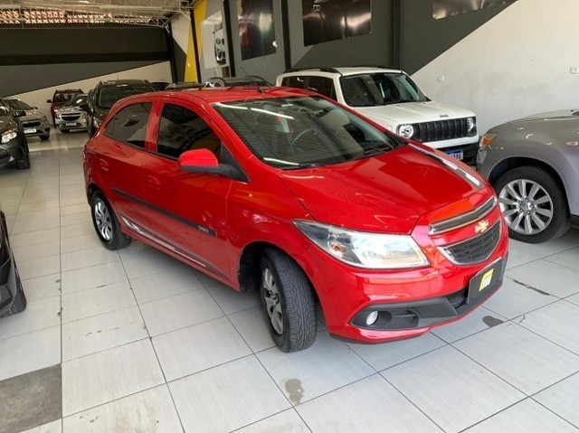 Chevrolet Onix 1.0 LT (Troco/Financio)