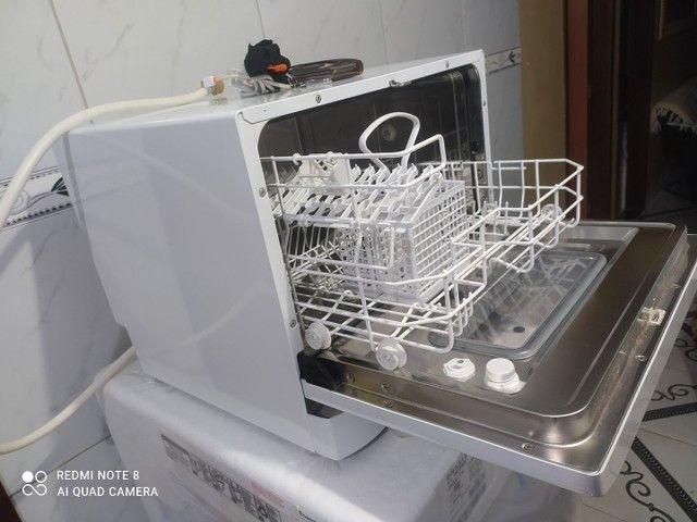 Máquina de lavar louças semi nova