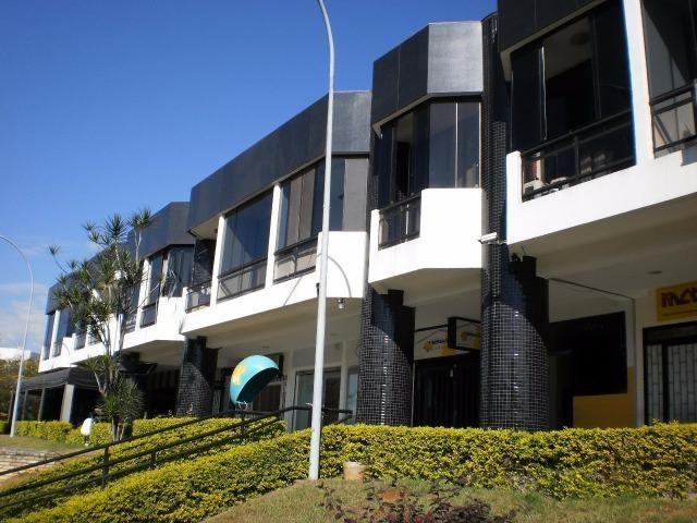 Kitchenette de frente no Sudoeste - Edifício Tropical Center