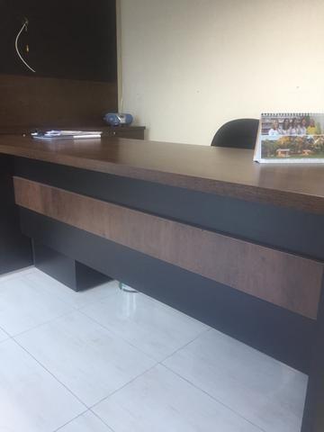 Mesa de escritório, alto padrão com gaveteiro/50 mm