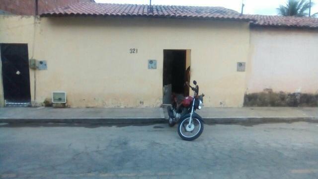 Vendo uma casa no Timbó tres em uma na rua 115 valor 85,000
