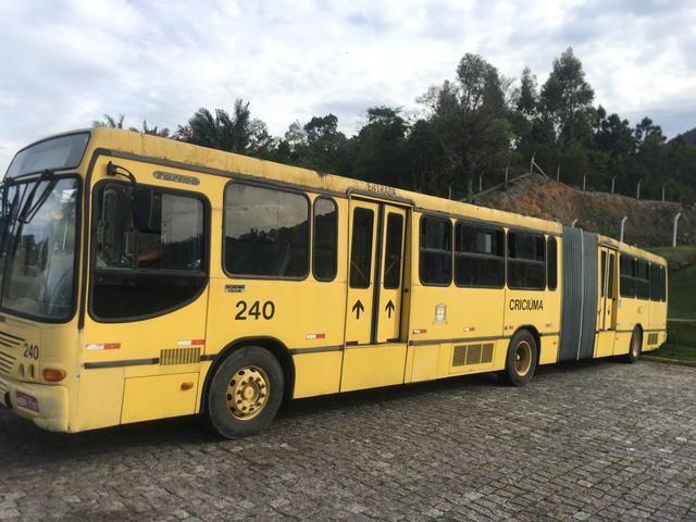 Vendo ônibus Scania 2000 bi-ônibus