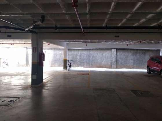 Vendo otimo apartamento com bela vista andar alto sombra 2 vagas cobertas petropolis - Foto 20