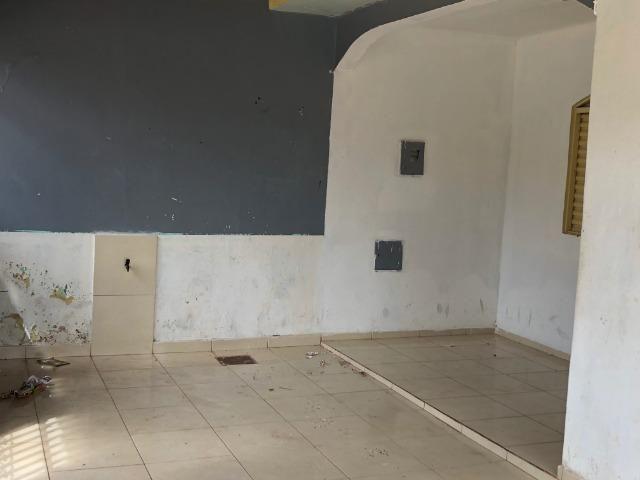 Noble Vende -Gama casa com 03 quartos lote de esquina vazado aceita apartamento na troca