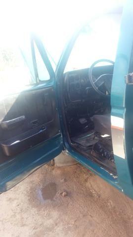 Chevrolet D-20 Custom com carroceria de madeira - Foto 8