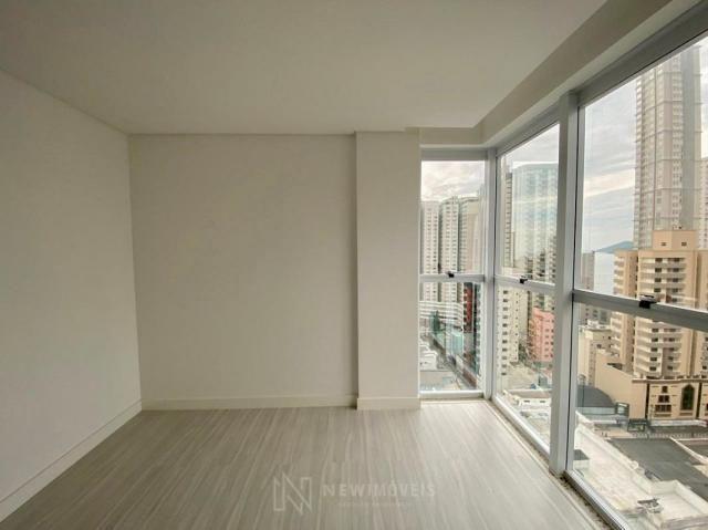 Apartamento andar alto com 3 Suítes 2 Vagas no Centro em Balneário Camboriú - Foto 17