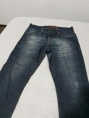 Calça masculina tamanho 40