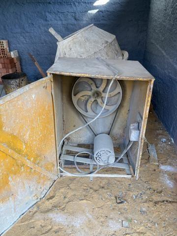 Betoneira 320 litros - Foto 4