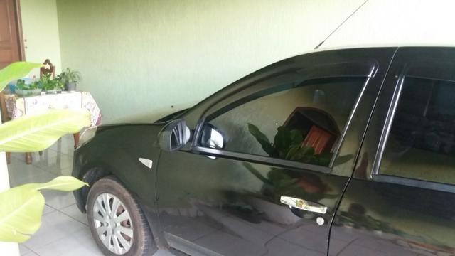 Vende-se Renault Sandero conservado e em perfeito estado