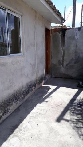 Aluga-se casa de alvenaria - Foto 4