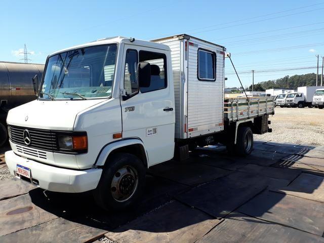 Caminhão com cabine suplementar - Foto 7