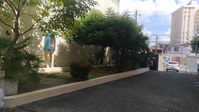 Apartamento no Benfica, 03 quartos sendo 01 suíte - Foto 3
