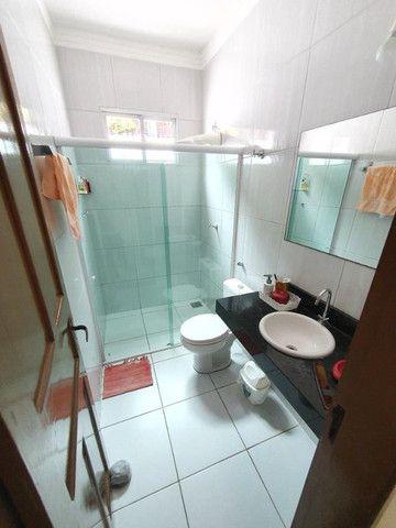 Excelente casa plana, solta, com amplo terreno e piscina, reformada, no Vila União - Foto 16