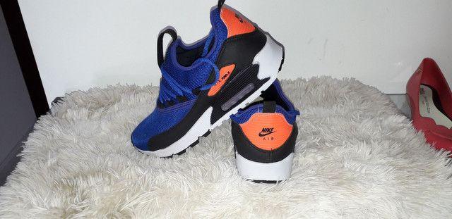9 8 6 0 0 - 1 0 2 1 * Tênis Nike Air Max novo na caixa cor azul ou  preto - Foto 3