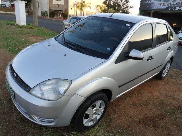 FORD/Fiesta Sedan SE 1.0 8V 4P (Financiamento Total em 48 X Sem Entrada)