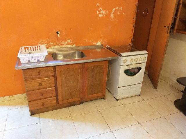 Casa-Kitnete na cic ,Para 1 Pessoa!! Mobiliada! incluso água e luz! R$ 420,00 - Foto 11