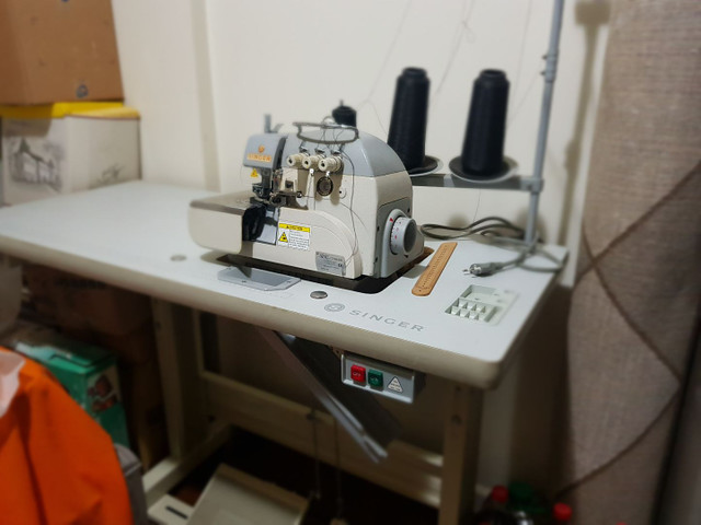 Máquina de Costura Overlock Singer Direct Drive Bivolt - 3 Fios - Foto 5