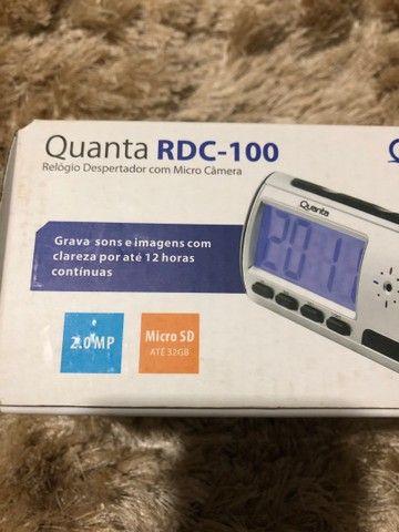 Relógio despertador com micro-câmera RDC-100. Grava por até 12 horas - Foto 2