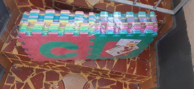Tapete infantil abecedário em e.v.a- novo- na embalagem.  - Foto 2