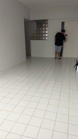 Apartamento com 2 quartos , mais dependencia ,por 2.600 Reais. - Foto 2