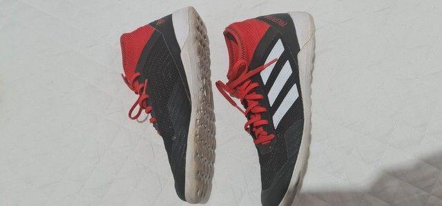 Chuteira Adidas futsal tam 38 - Foto 2