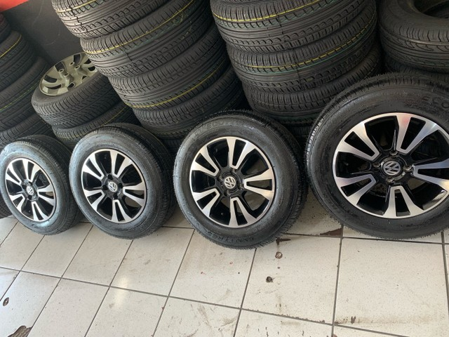 Jogo de rodas novas com pneus novos aro 14