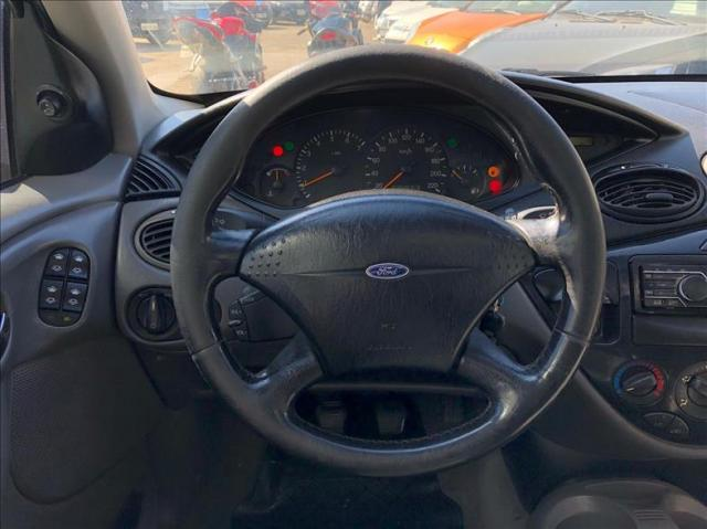 Ford Focus 2.0 Ghia Sedan 16v - Foto 8